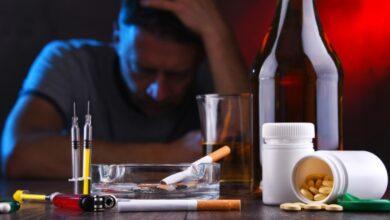 Photo of Алкоголь, курение и наркотики удваивают риск заражения COVID-19 после вакцинации